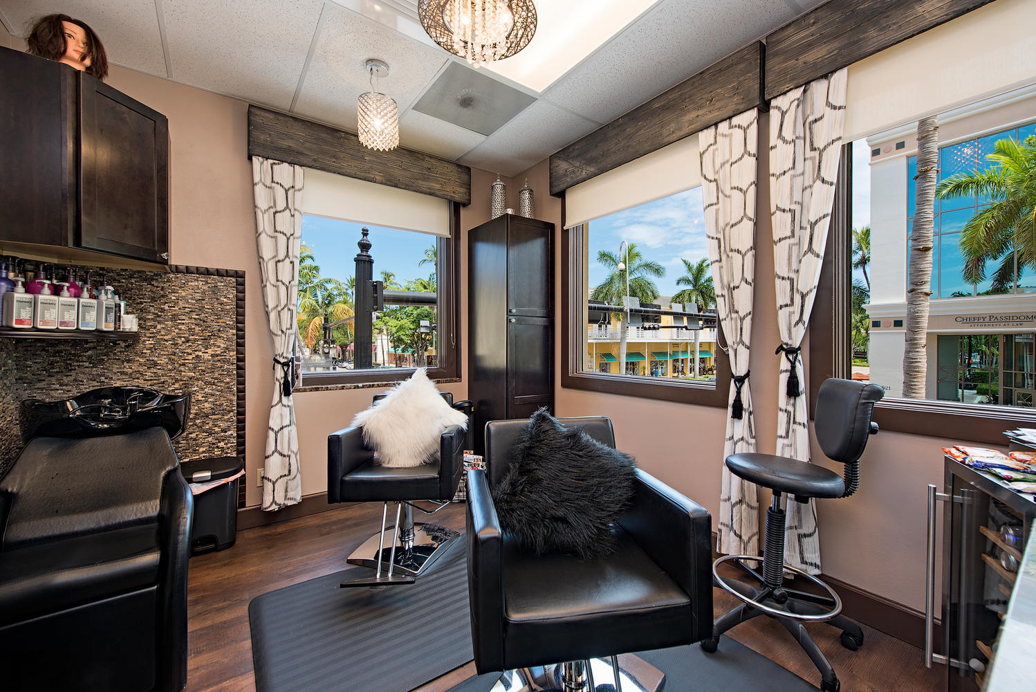 Pura vida medical spa salons by jc 5th avenue south for 5th avenue salon