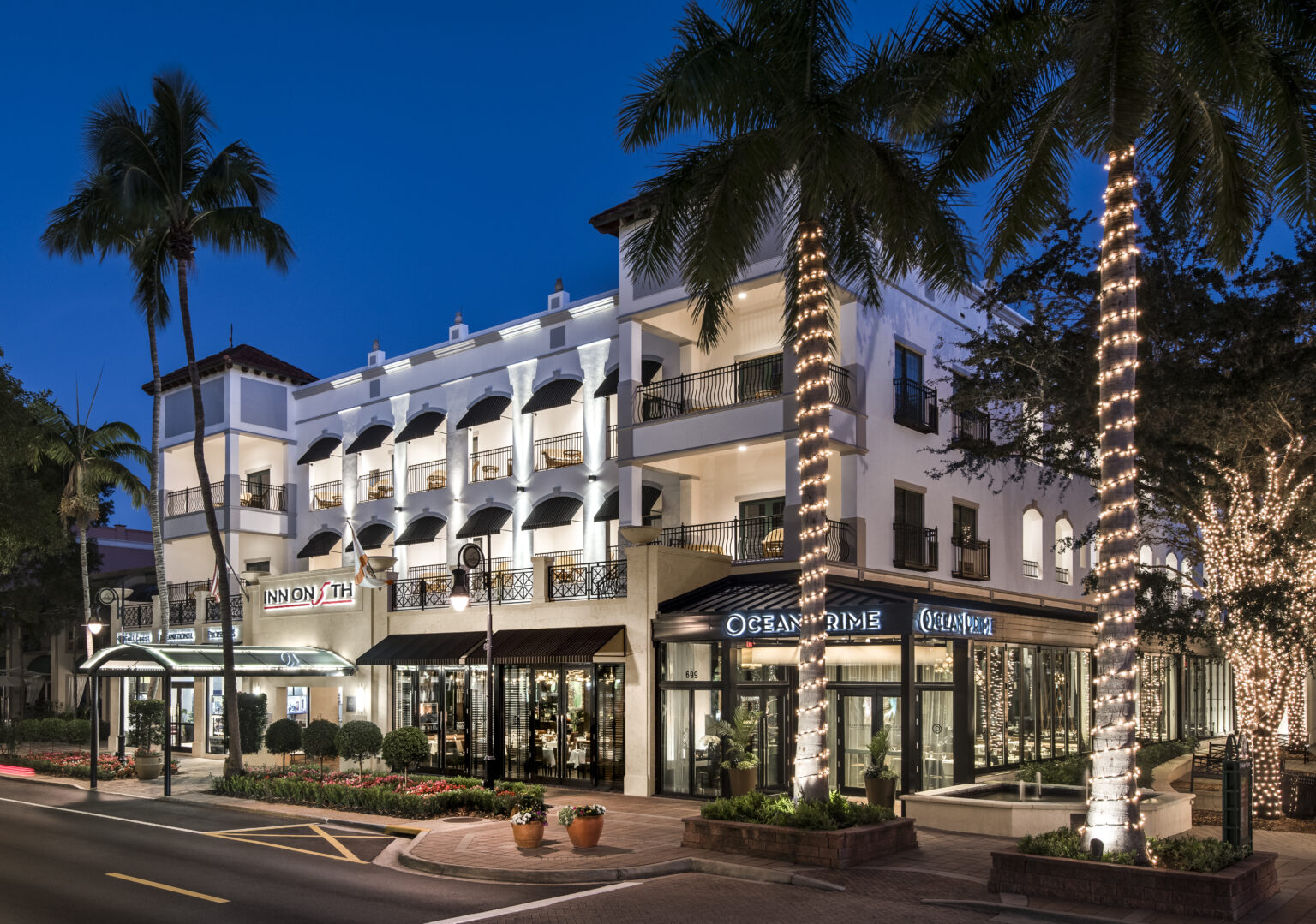 The Inn on 5th is in the center of it all in downtown Naples.